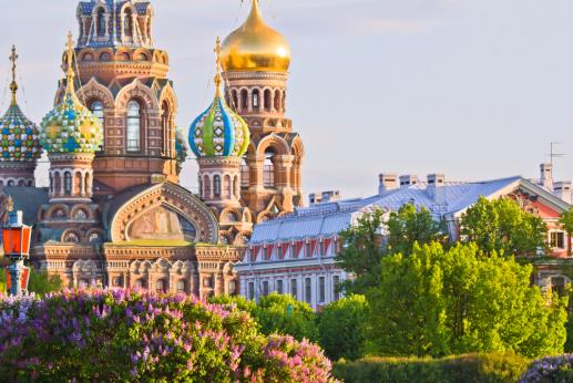 BP2-LEDZS-Shutterstock-Experience-spectacular-St-Petersburg-in-spring-with-these-locals-tips.jpg