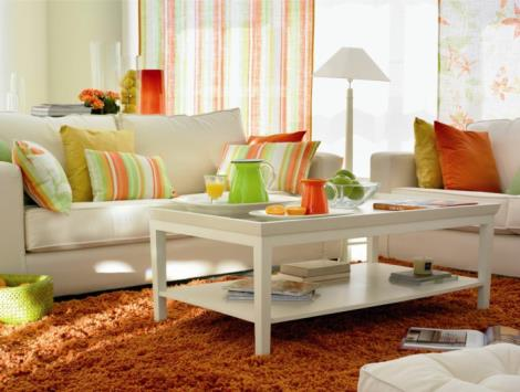 small-living-room-set-white-sofa-coffee-table-orange-high-pile-carpet-dekokissen.jpg