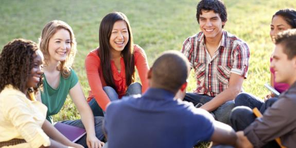 o-COLLEGE-STUDENTS-TALKING-facebook-1024x512.jpg